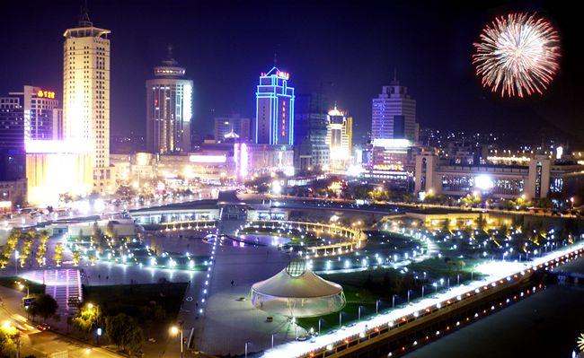 西宁璀璨夜景 让市民游客流连